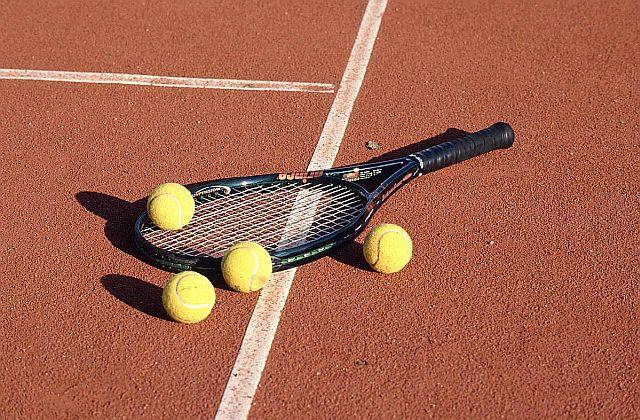 5. ročník tenisového turnaja vo štvorhre o pohár dekana SvF STU